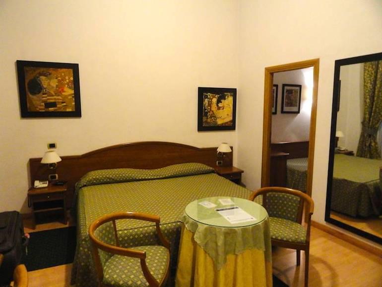 Cheap Hotels Near Colosseum In Rome Italy Eurocheapo